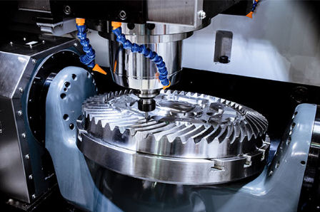 Machine tool with tool milling a component using 5 axes